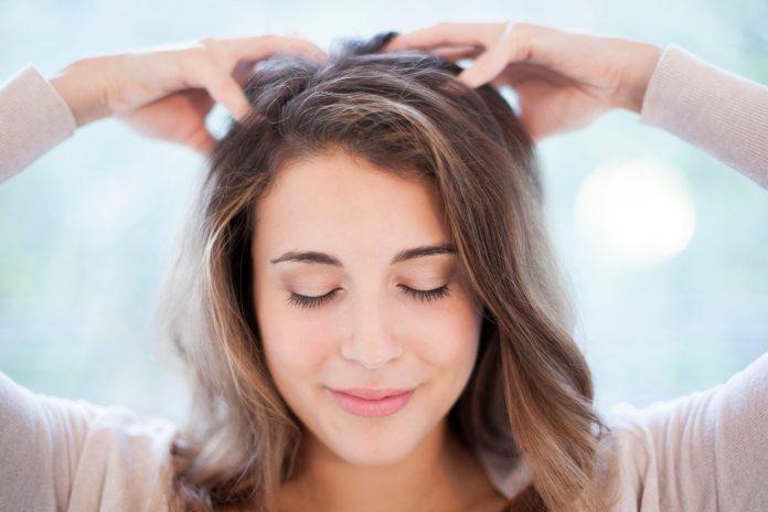 apply peeling on hair